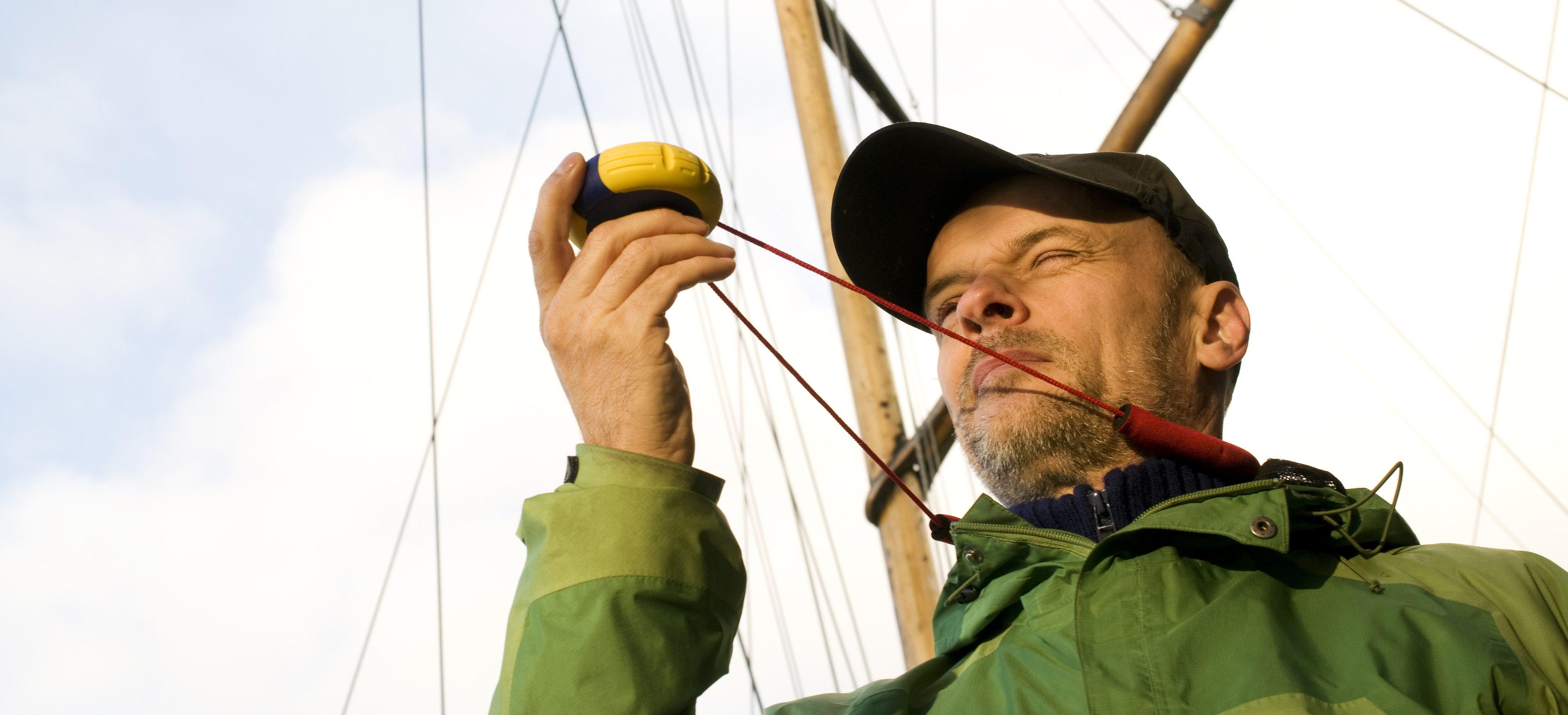 Comment faire un point avec un compas de relèvement ? Picksea - SAS Nauting